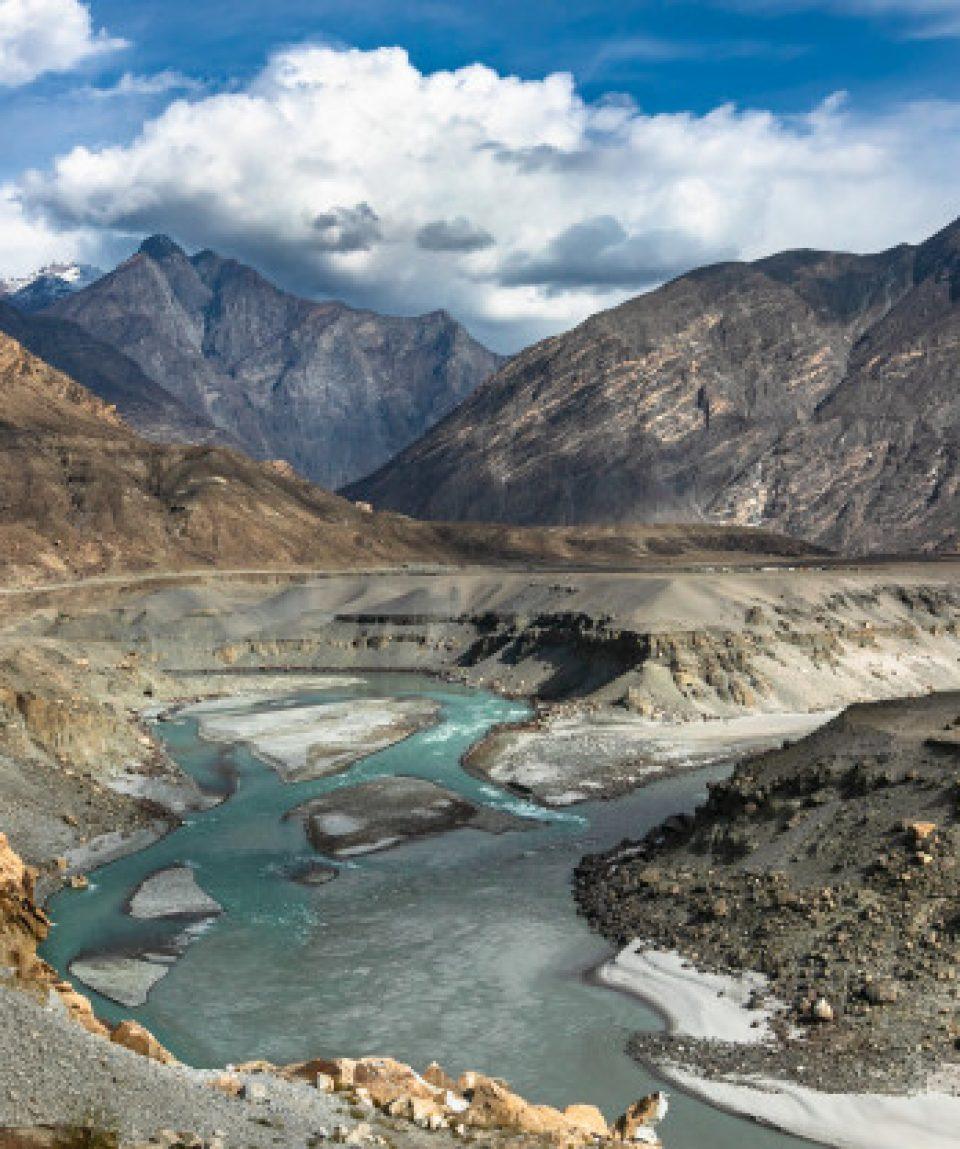 three-mountain-ranges-junction-viewpoint-pakistan_244384-90